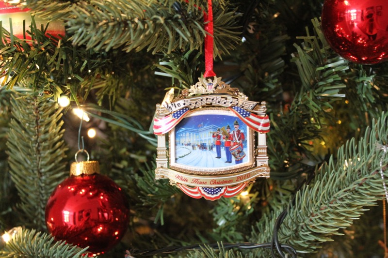 White House Ornament 2010 1